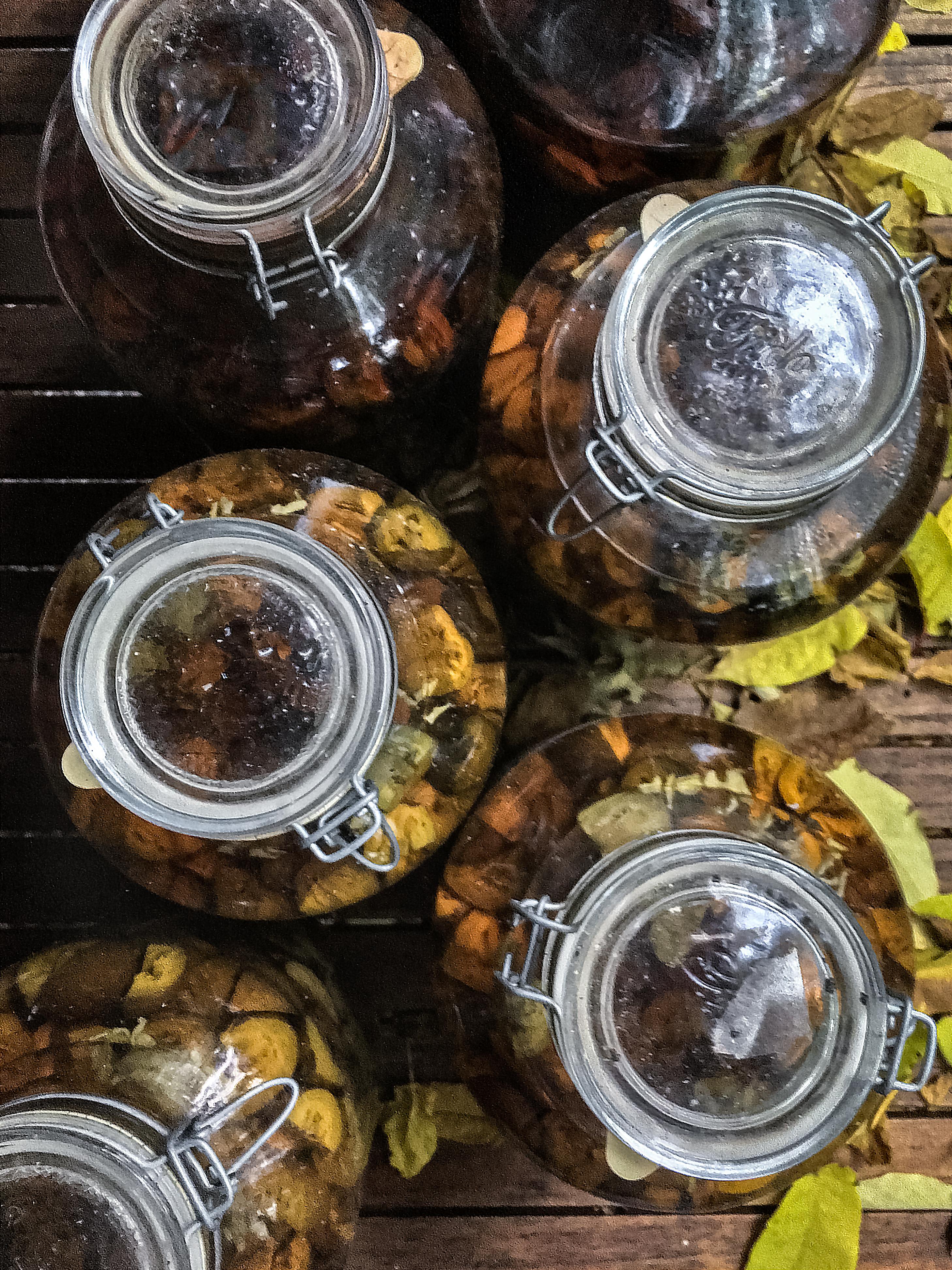 eingelegte Nüsse